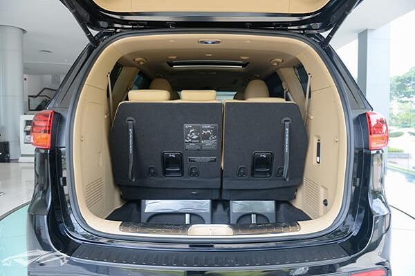 cốp hành lý thuê xe sedona cao cấp hcm