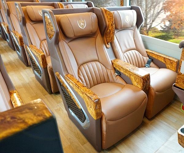 cho thuê xe limousine 19 chỗ tphcm đi châu đốc giá rẻ