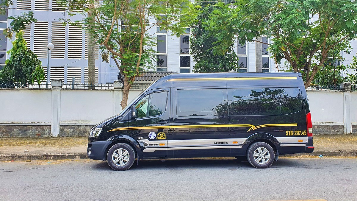 thue xe limousine 11 chỗ s3