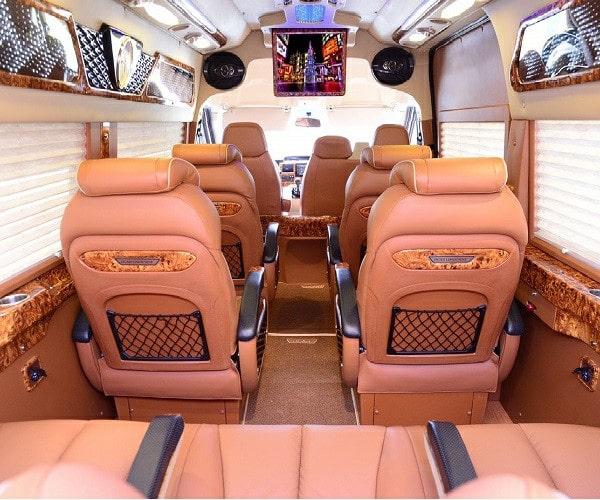 cho thue xe limousine vip 9 cho tphcm