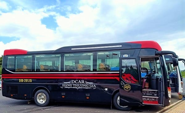 thue-xe-limousine-16-cho-tai-hcm