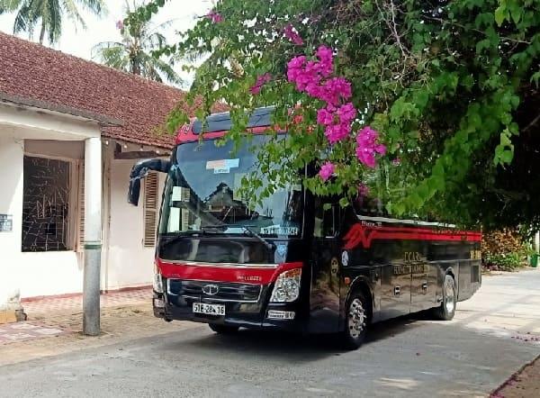thue-xe-limousine-16-cho-di-long-hai
