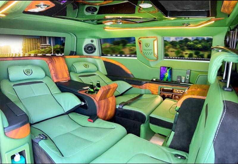 thuê xe limousine 19 chỗ ở tphcm