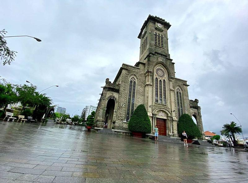 du lịch nhà thờ núi nha trang
