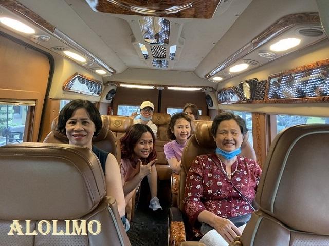 Xe limo 9 chỗ đi du lịch 6
