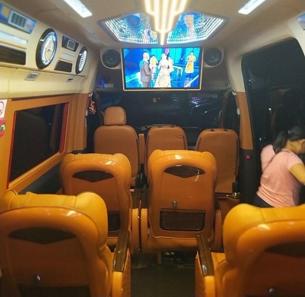 Giá Thuê Xe Limousine 9 Chỗ Tại Tphcm 5